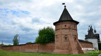 Юрьев-Польский - стены Михайло-Архангельского монастыря